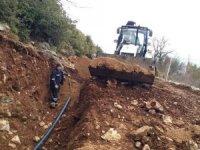 Büyükşehir İbradı'da içme suyu hattında deplase çalışması yaptı