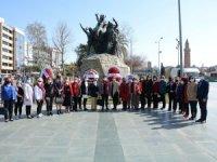 Antalyalı kadınlar 8 Mart'ı Cumhuriyet Meydanı'nda kutladı