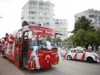 Antalya sokaklarında bayram coşkusu